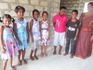 Unsere Klasse 5m demnächst Klasse 6,  mit Lehrerin Padmini De Zoysa
